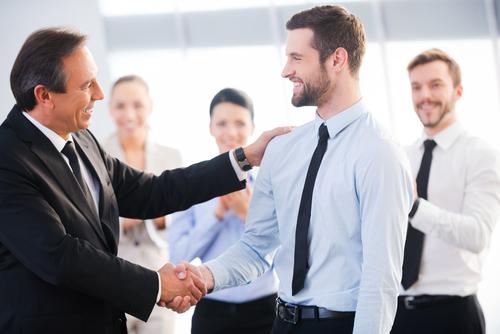 Que sea creíble y coherente, lo que más se valora de un jefe